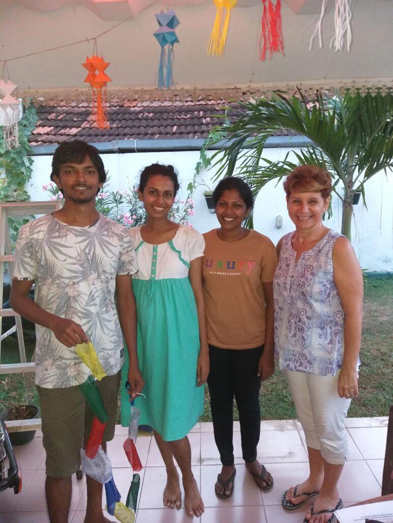Une partie de l'équipe de G a D Akila Naduni Nimesha Armelle