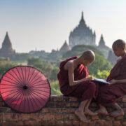 moines à Bagan